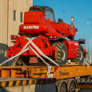 betoncranes-export-cranes-gruas-construccion-spain-europe-19-exportacion-embarques-2