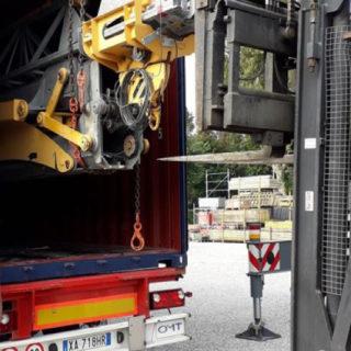 Foto-embarque-igo-22-igo22-grua-cranes-export-betoncranes-spain-empresa-torresgrua