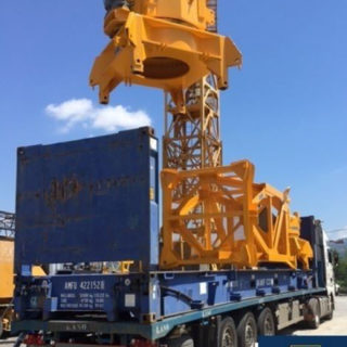 embarque-carga-en-flack-grua-cranes-export-betoncranes-spain-empresa-torresgrua